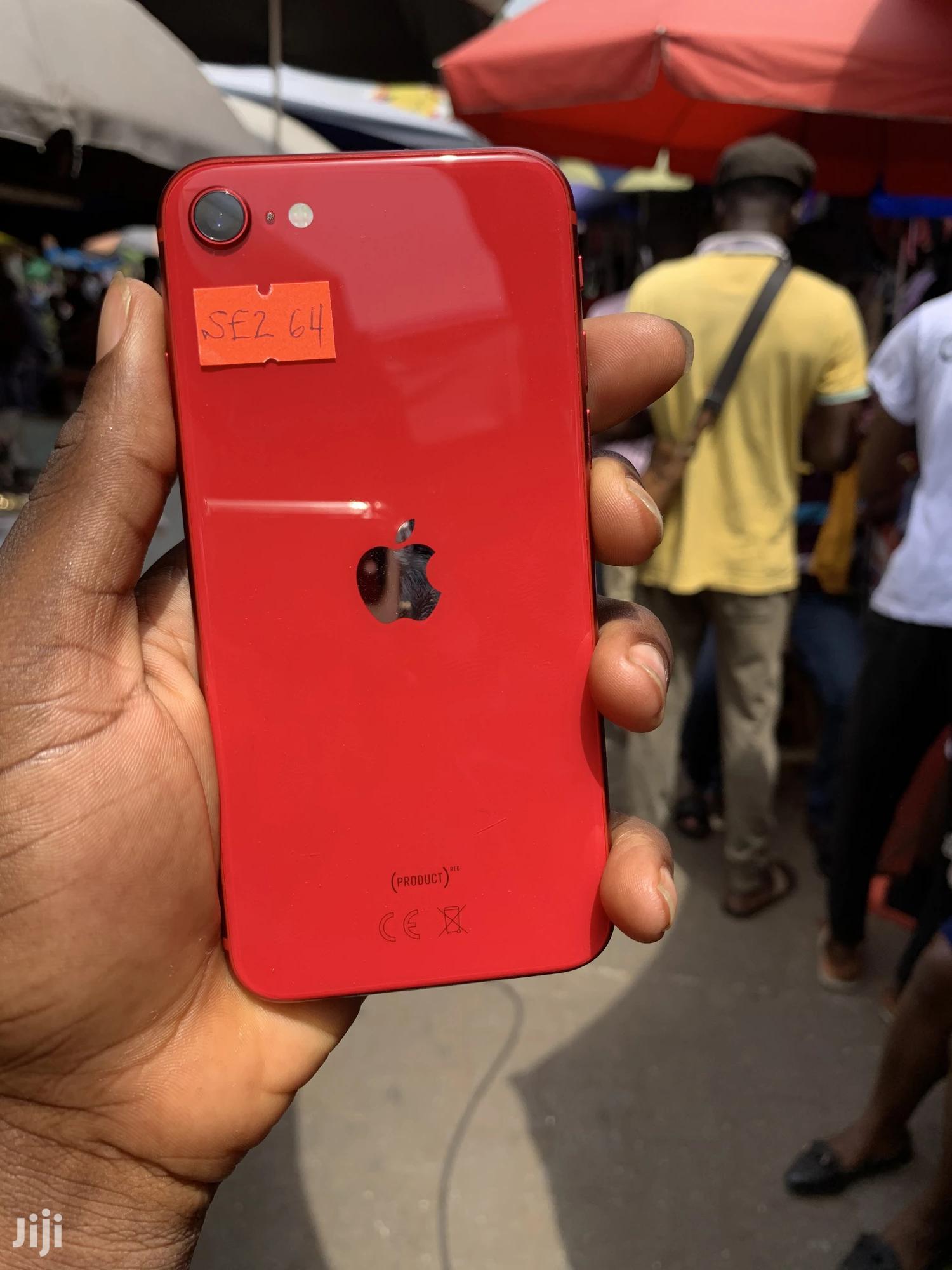 Apple iPhone SE (2020) 64 GB Red