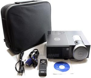 Dell 4220 DLP Projector   TV & DVD Equipment for sale in Ashanti, Kumasi Metropolitan