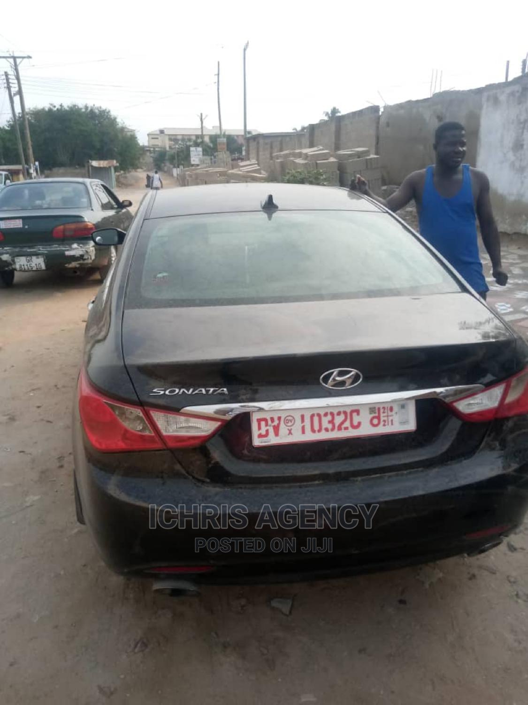 Hyundai Sonata 2011 Black