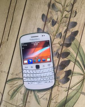 BlackBerry Bold Touch 9900 8 GB White | Mobile Phones for sale in Greater Accra, Achimota