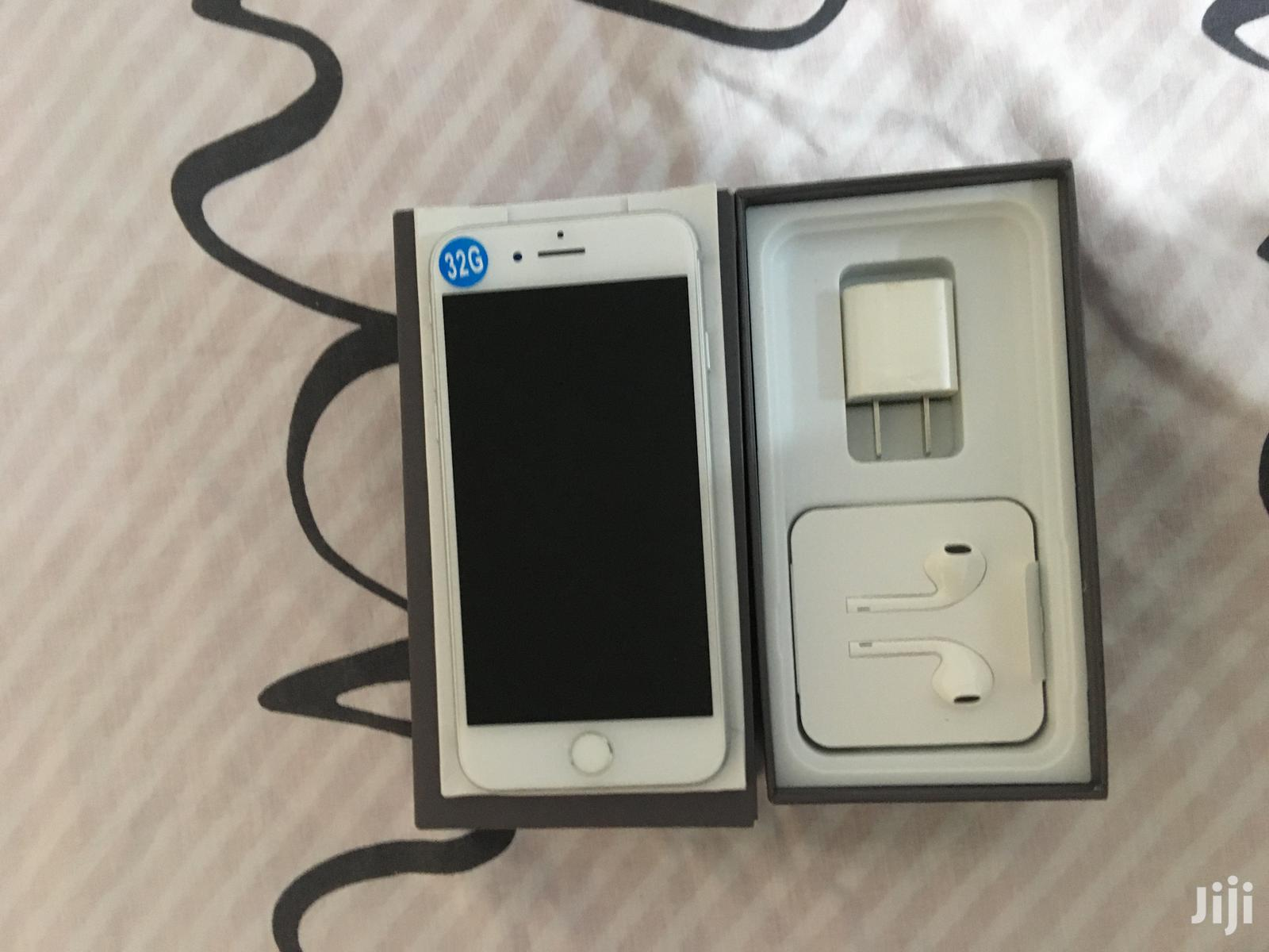New Apple iPhone 7 32 GB Gray