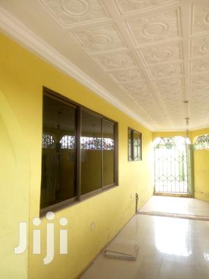 Executive 3 Bedrooms Self Contained Self Compound For Rent | Houses & Apartments For Rent for sale in Central Region, Awutu Senya East Municipal