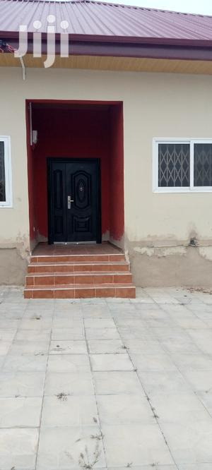 Executive 2 Bedroom Self Contained Millennium | Houses & Apartments For Rent for sale in Central Region, Awutu Senya East Municipal